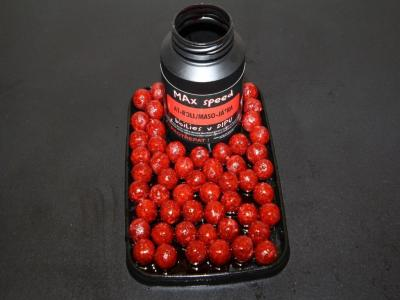 Max carp RED-RAG Brusinka,Krill,Losos 16mm v dipu boilies 250ml